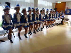 Tanzcorps Blau Weiß Neye